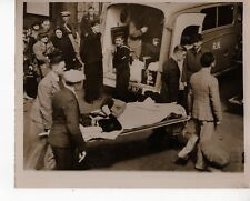 Original Press Photo WWII Wounded Navy being moved by Ambulance to Hospital