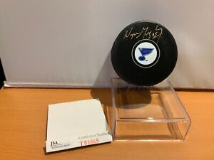 HOF Hockey Wayne Gretzky Autographed Blues Puck JSA Cert