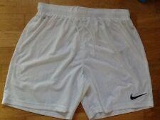 Nike Sporthose Gr. M  kurze weiße Hose, Shorts für Sport wie neu