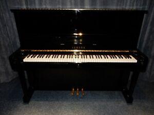 YAMAHA U1  UPRIGHT PIANO. AROUND 40 YEARS OLD. AMAZING SOUND AND TOUCH