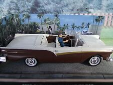 1/43 FORD FAIRLANE James Bond DIE ANOTHER DAY  007 series  diorama