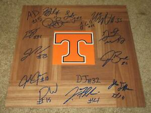TENNESSEE VOLUNTEERS 2018-2019 TEAM SIGNED FLOORBOARD AUTOGRAPHED BY 15 (PROOF)
