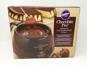 Wilton Chocolate Pro Melting Pot Fondue 2.5 cups Non-stick 2 Temp Settings