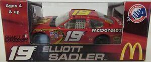 2008 Elliott Sadler #19 McDonald's Dodge Charger COT 1/64 NASCAR Diecast