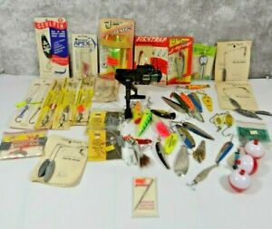Large Vintage Lot fishing lures, spinners, plugs, spoons, Some NOS & Zebco Reel