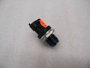 Renault Scenic II 1.9 DCi Verteilerrohr Kraftstoff Drucksensor Raildrucksensor