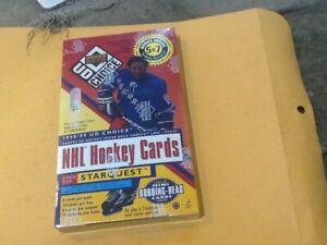 1998/1999 UPPER DECK NHL Hockey CARDS STARQUEST 16 FACTORY SEALED BRAND NEW PACK