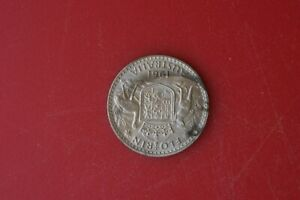 Australian 1961 FLORIN Silver Coin -uncleaned-has  lustre
