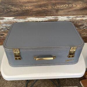 """Lady Baltimore Suitcase (21""""x14""""x7"""") NO KEY Blue."""