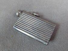 ORIGINAL BRIQUET ancien en métal argenté.