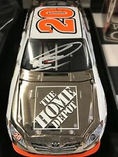 AUTOGRAPHED! WHITE GOLD ELITE 1:24 Joey Logano #20 Home Depot 2010 Toyota Camry
