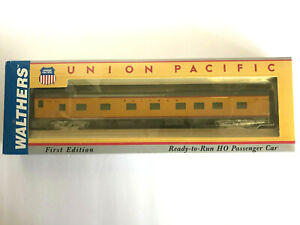 HO WALTHERS 932-9490-UNION PACIFIC CITIES SERIES PS4-4-2 SLEEPER-IMPERIAL SERIES