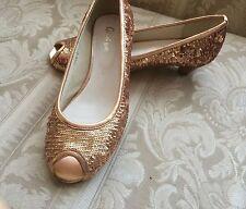 GiGi Gold Metalic Peep-Toe Pump. Size 35.5 (5-6) M Medium Width Sequin Shoes EUC