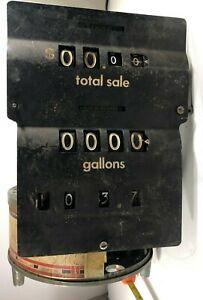 Vintage Veeder Root Gas Pump Meter Calculator Mechanical Fuel 2002E Counter