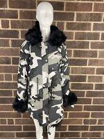 NWT Roiiiii Women's Black/Gray Camo Print Faux Fur Lined Hooded Peacoat Size L