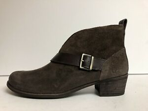 UGG, Wright Womens Belted Boot Stout Brown 12 M