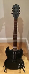 EPIPHONE GOTH G-400 ELECTRIC GUITAR. 2005..RARE COLLECTABLE IN FINE CONDITION