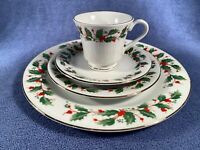 Excellent Condition Christmas China Pearl Noel Fine China Holly Berries 4 Pc Set