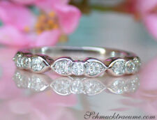 Zurückhaltende Eleganz: Zarter Diamant Ring in Weißgold 750, 0.24 ct. W SI 1400€