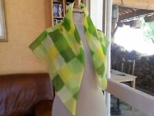 N32 Foulard voile synthétique Klorane damier vert 72x77cm Scarf Panuelo