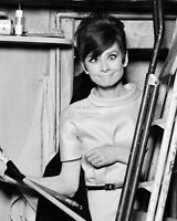 "AUDREY HEPBURN ON THE SET OF ""HOW TO STEAL A MILLION"" - 8X10 PHOTO (RT119)"