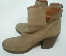 Size 7 M LUCKY Brand Leather Taupe Heel Boot Orsann Slip On Zipper Back