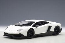 1:18 AUTOart Lamborghini Aventador LP720-4 50° Anniv.2013 weiss + Schlüsselanh.