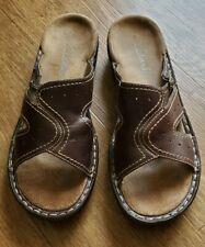 Clarks Brown Womens Size 7M Slip On Sandals