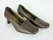Women's CLARKS Mary Jane brown shoes size 8