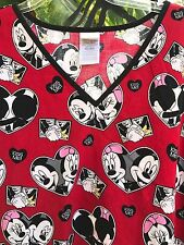 Disney Scrub Top XL Mickey and Minnie Mouse Red Kiss Me Hearts Waist Pockets