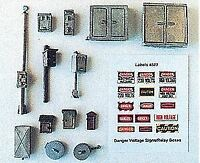 JL INNOVATIVE HO MAINLINE DETAIL SET: RELAY, PHONE BOXES (16) W/15 SIGNS | 502