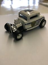 Hot Wheels - 32 Ford Deuce - Milwaukee Wi - Police Dept - Rubber Tires - Diecast
