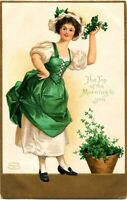 St. Patrick's Day~CLAPSADDLE~TOP OF THE MORNING~WOMAN w SHAMROCKS~IAPC Postcard