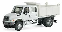 WALTHERS SCENEMASTER HO SCALE 1/87 4300 CREW-CAB DUMP TRUCK WHITE 949-11636
