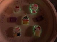 Glow In Dark Hello Kitty Lot Of 7 Crocs,Bracelet,Lace Adapter Charms,Jibbitz