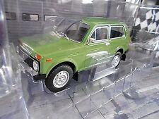 Lada Niva 4x4 Véhicule Tout-terrain Russia SUV Vert Green 1976 MCG SP 1:18