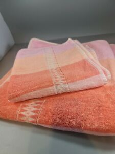 Vintage / Retro Towel Bundle. 2 Towels Matching hand and bath ,pink, stripe