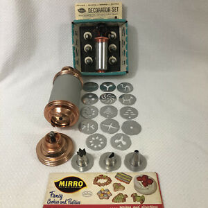 MIRRO COOKIE PASTRY PRESS 14 DISCS 3 TIPS + DECORATOR SET 6 TIPS AND MANUALS VTG