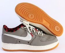 NIKE AIR FORCE 1 LV8 (GS) LIGHT TAUPE-SAIL-YELLOW SZ 6Y-WMNS SZ 7.5 [820438-200]