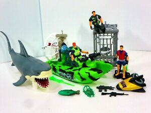 Animal Planet Extreme Shark Sea Diver Cage Adventure Playset Wild Rescue Boat