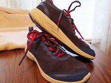 VIONIC Cobalt 335FYN Walking Shoes---EXCELLENT---size 7.5 Med.