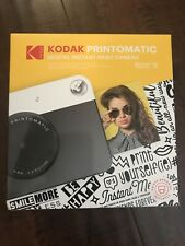 Kodak Printomatic digital instant print camera 10mp black