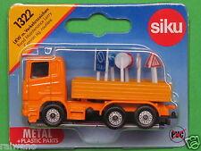 Siku Super Serie 1322 Scania LKW mit Verkehrszeichen