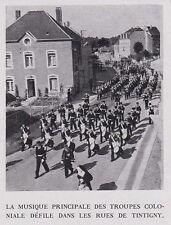 1957  --  TINTIGNY  DEFILE DE LA MUSIQUE DES TROUPES COLONIALES   3E732