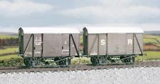 Ratio 594 SR 12 ton Even Planked Ventilated Box Van (M/W) Plastic Kit OO Gauge