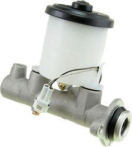 Brake Master Cylinder for Toyota Corolla Sedan 88-89 Geo Prizm 89 M39508 MC39853