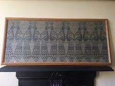 Antiguo Tela Textil pavo real pájaro Sampler en reverso titulado kukot