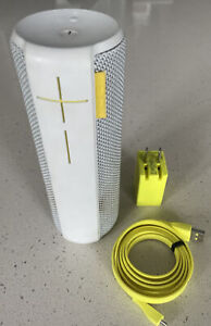 Logitech UE Boom Bluetooth Speaker (model: S-00122) - White