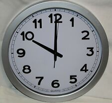 Wanduhr Bahnhofsuhr Uhr Quarzuhr Bürouhr Küchenuhr Großuhr 40cm