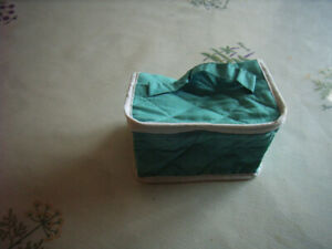 trousse de maquillage forme vanity turquoise 10x15x10cm